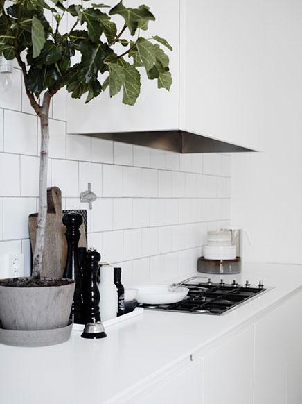 Witte keuken ideeën van Lotta Agaton