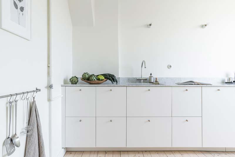witte keuken marmeren werkblad lichte keuken