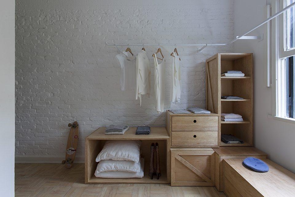 witte-kledingroede-inloopkast