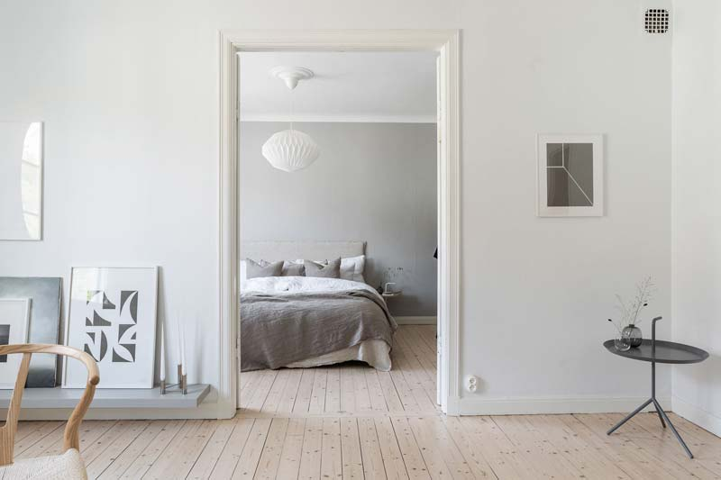 witte muren houten vloer