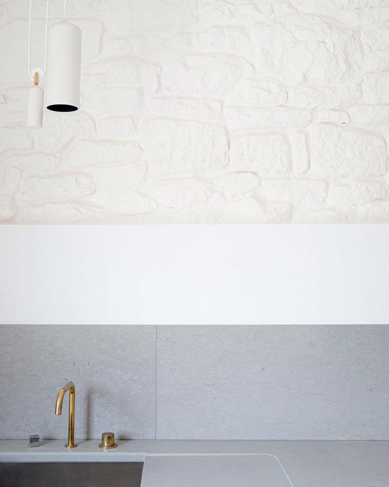 witte stenen keuken achterwand