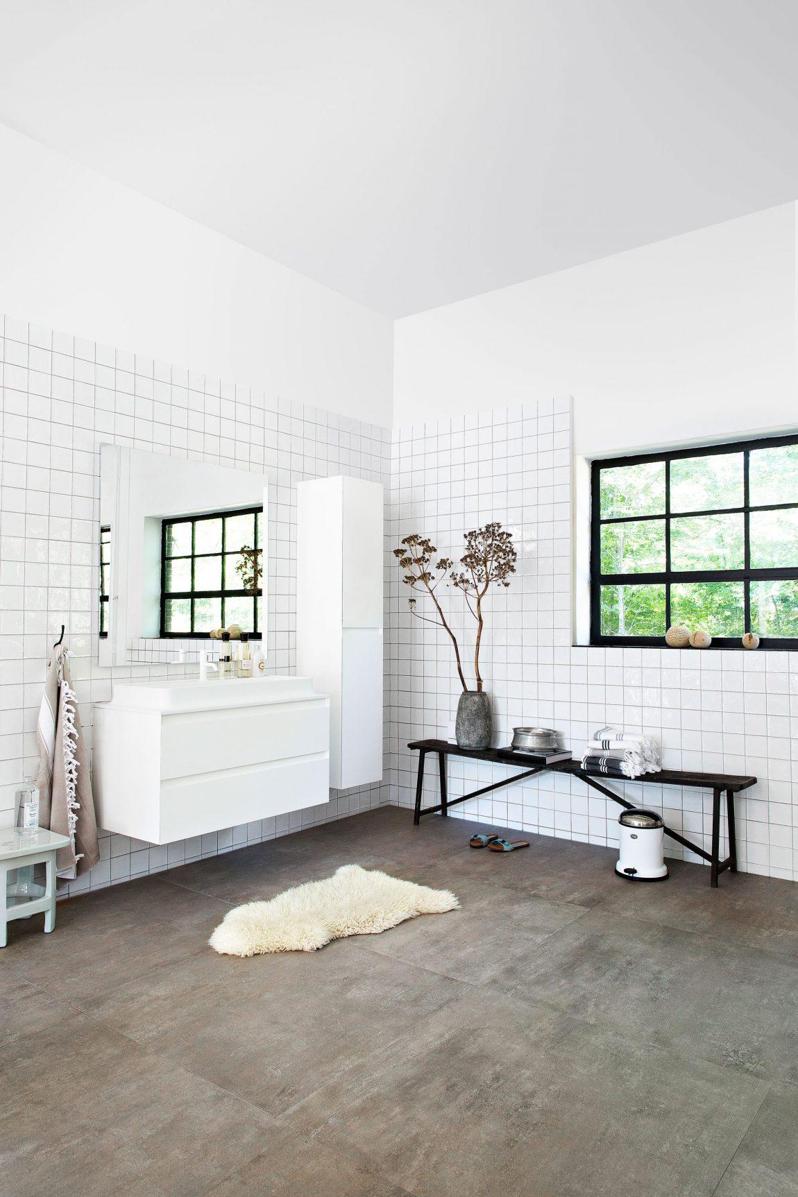 mooie badkamermeubel met lades inrichting huis