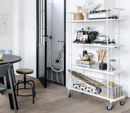 Witte trolley