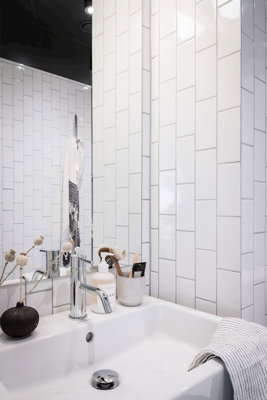 witte wandtegels badkamer