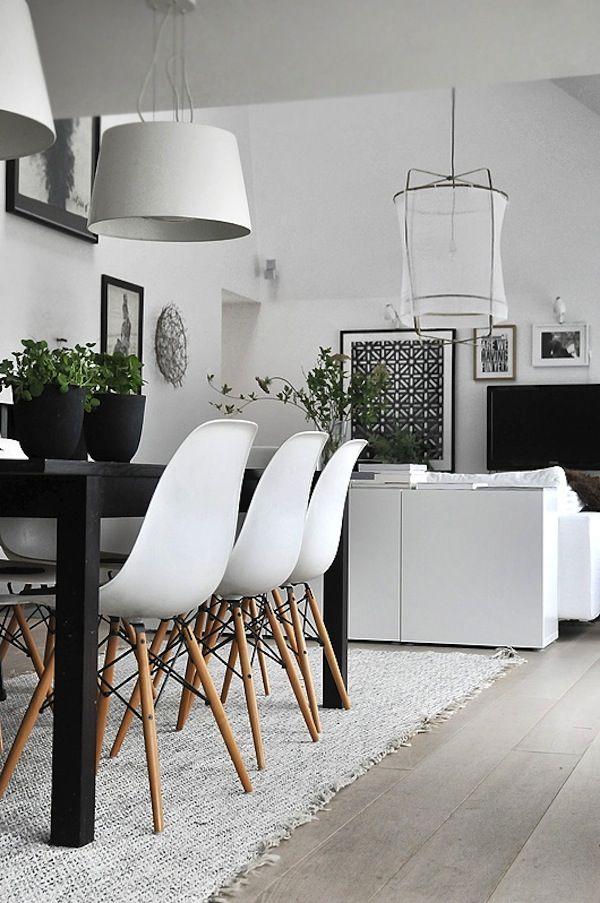 IKEA besta kasten achter bank
