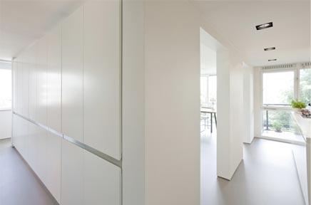 Woninginrichting met doorlopende open ruimte