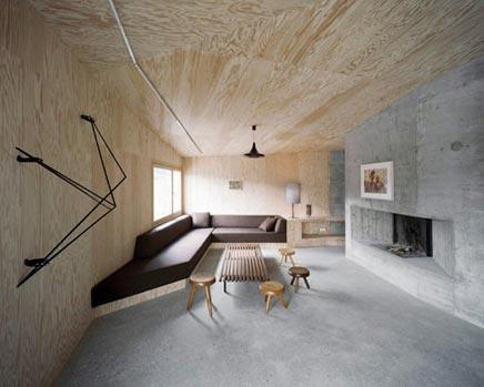 Woonkamer van hout en beton