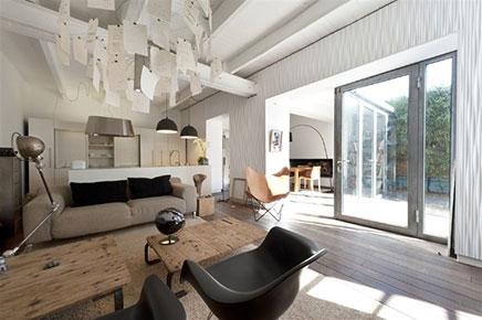 Woonkamer in de kelder met tuin terras inrichting - Deco grote woonkamer ...
