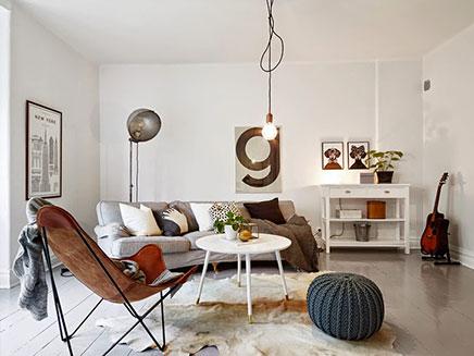 Retro Inrichting Huis.Woonkamer Met Mix Van Scandinavisch Vintage En Industrieel