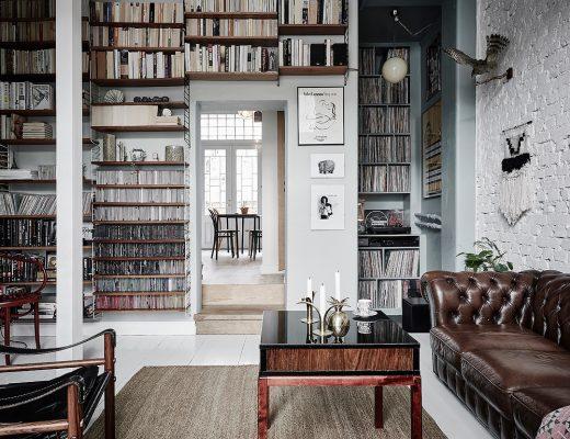 Woonkamer stijlmix van Scandinavisch en vintage