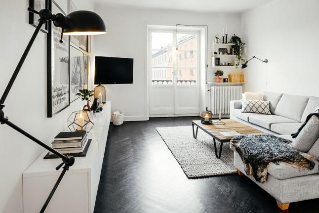 Woonkamer met stoere scandinavische inrichting inrichting - Deco grote woonkamer ...