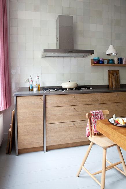 Oud Hollandse Tegels Keuken : Woonkeuken van interieurstylist Iris Inrichting-huis.com