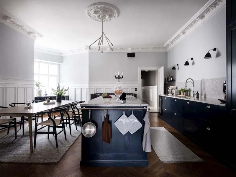 woontrends 2021 donkerblauwe keuken