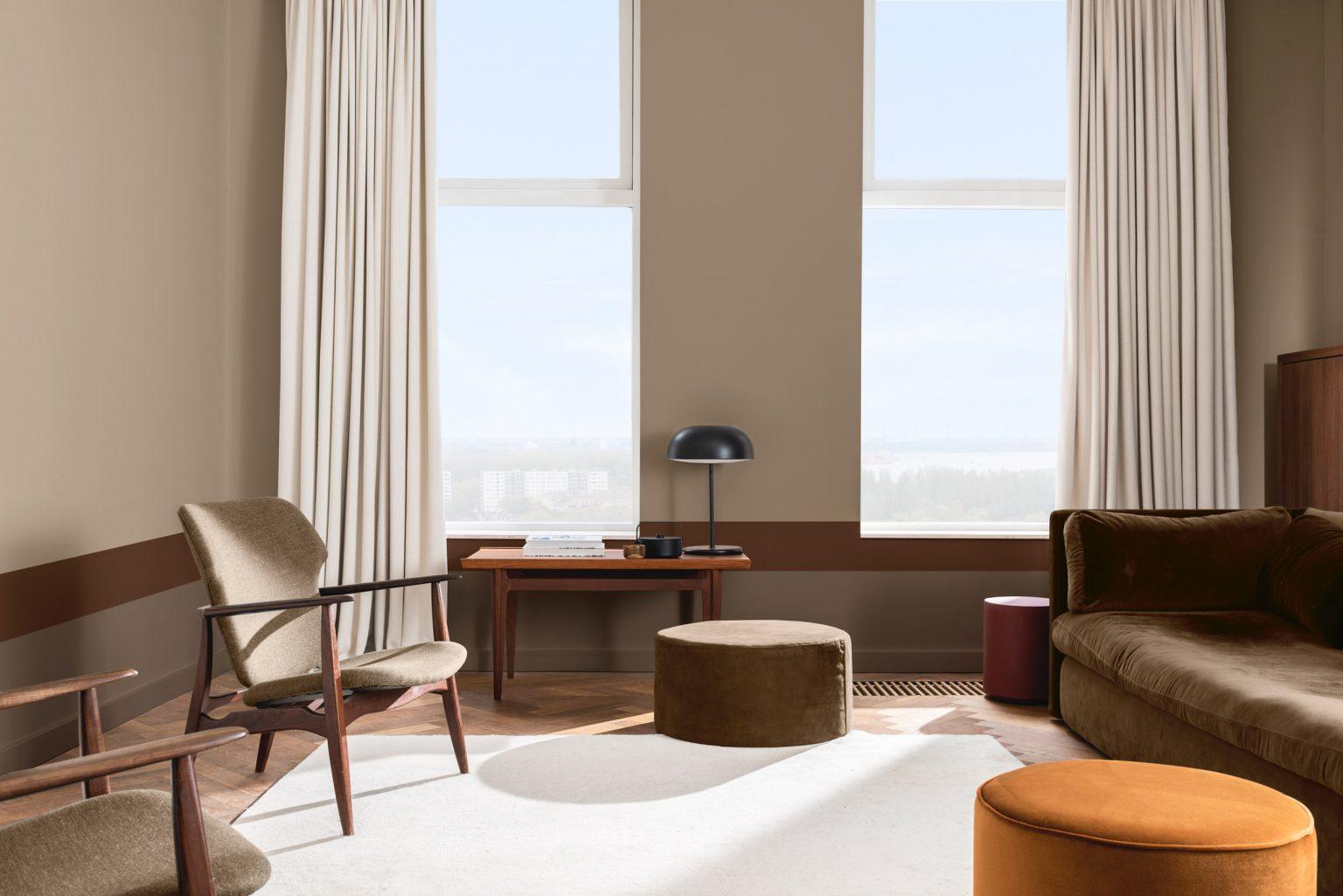 woontrends 2021 flexa kleur van het jaar brave ground aardetinten woonkamer