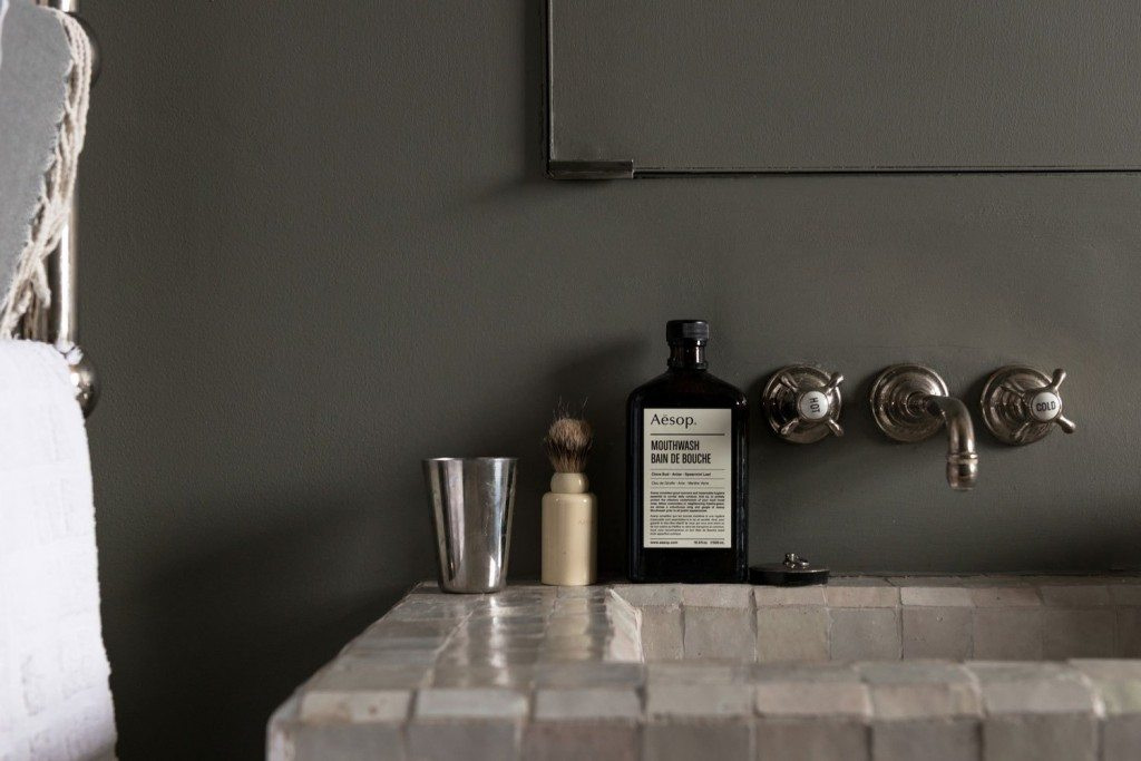 zeliges-wastafel-badkamer