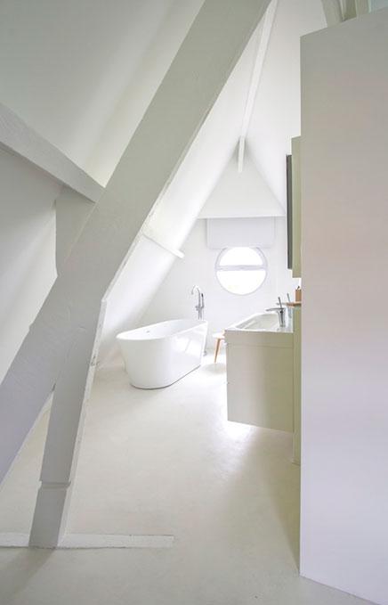 Zolder slaapkamer suite met badkamer