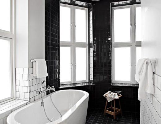 zwart-wit-badkamer-comfort-karl-johan-hotel