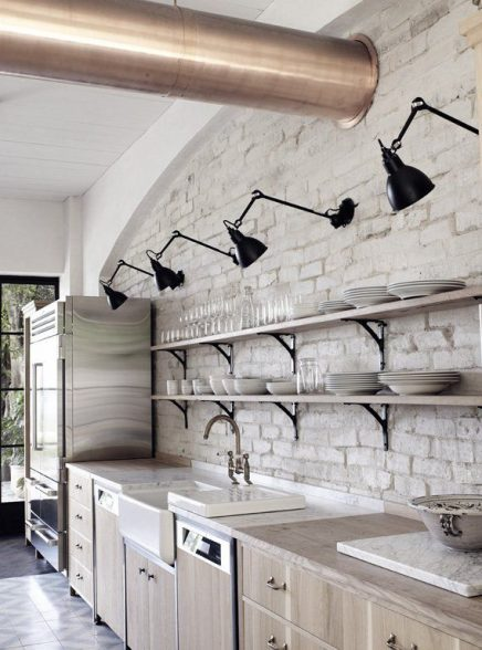 Zwarte industriele wandlampen keuken