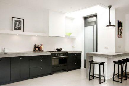 Strakke Zwarte Keuken : Moderne woonkeuken in uitbouw inrichting huis