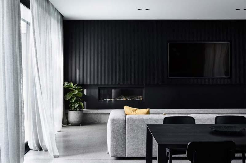 zwarte muur houten wandbekleding