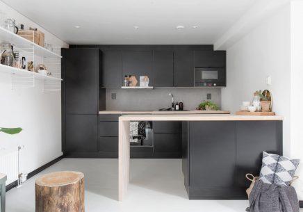 Zwarte open keuken