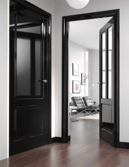 Zwarte plinten | Inrichting-huis.com