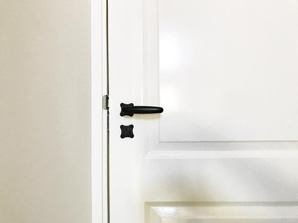 zwarte-sophie-deurkrukken-toilet