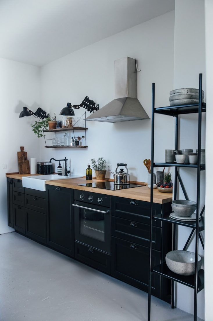 zwarte-stalen-keukenrek