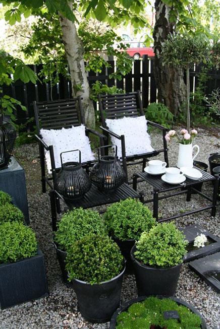 Zwarte tuinmeubelen