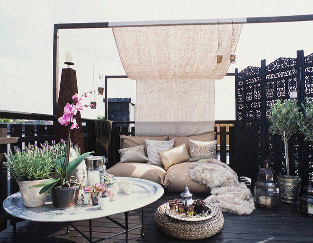 Zwarte vlonders balkon